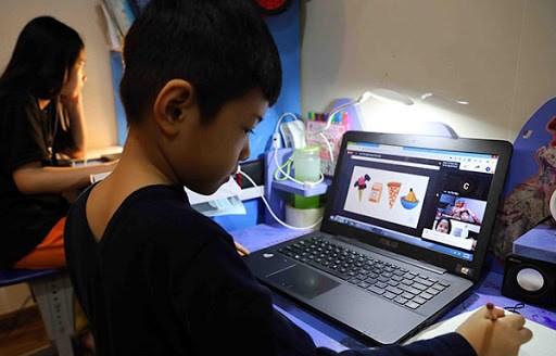 Trẻ em cần được trang bị kỹ năng khi tham gia mạng xã hội.