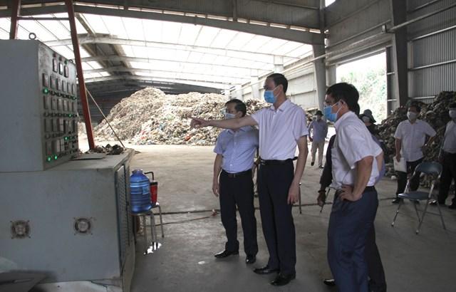 Phó Chủ tịch Phùng Khánh Tài giám sát công tác môi trường tại Nghệ An - Ảnh 1