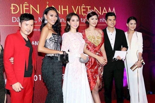 Việc tổ chức các LHP ở Việt Nam còn thiếu tính chuyên nghiệp.