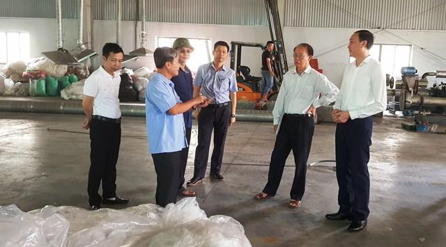 Phó Chủ tịch Phùng Khành Tài cùng đoàn công tác làm việc tại Khu B – KCN Bỉm Sơn - Thanh Hóa.
