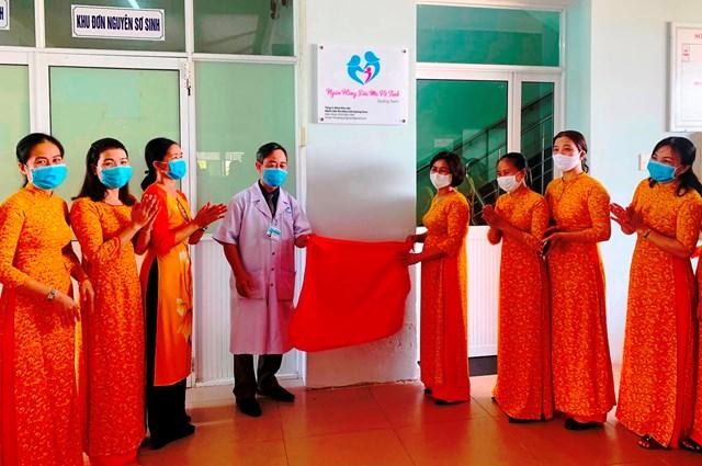Quang cảnh buổi khai trương NHSMVT Quảng Nam.