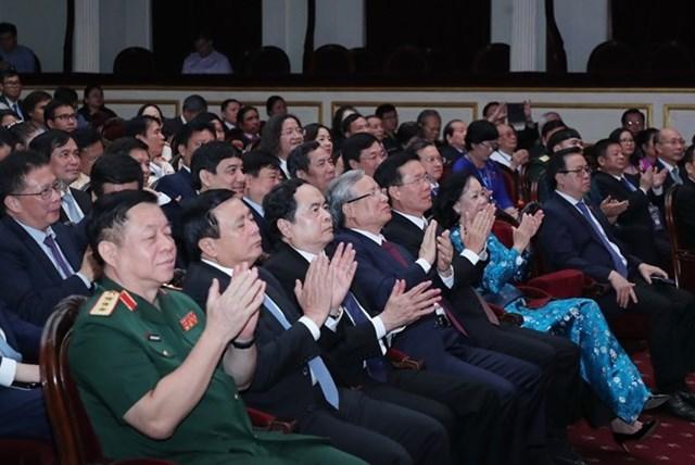 Lãnh đạo Đảng, Nhà nước, MTTQ Việt Nam tham dự buổi gặp mặt. Ảnh: Trần Huấn.