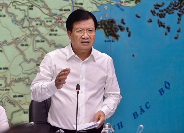 Phó Thủ tướng Trịnh Đình Dũng – Trưởng Ban Chỉ đạo Trung ương về phòng chống thiên tai phát biểu tại cuộc họp. - Ảnh: VGP/Nhật Bắc.