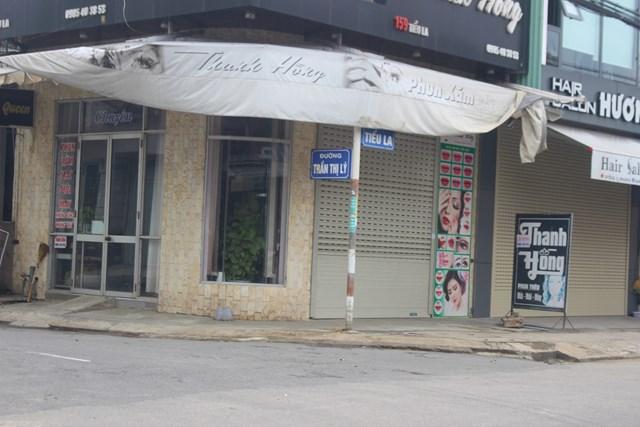 Một số cửa hàng quán trên địa bàn huyện Thăng Bình đóng cửa.