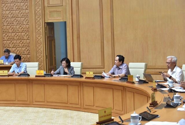 Chủ tịch Trần Thanh Mẫn phát biểu tại phiên họp.Ảnh: Quang Hiếu.