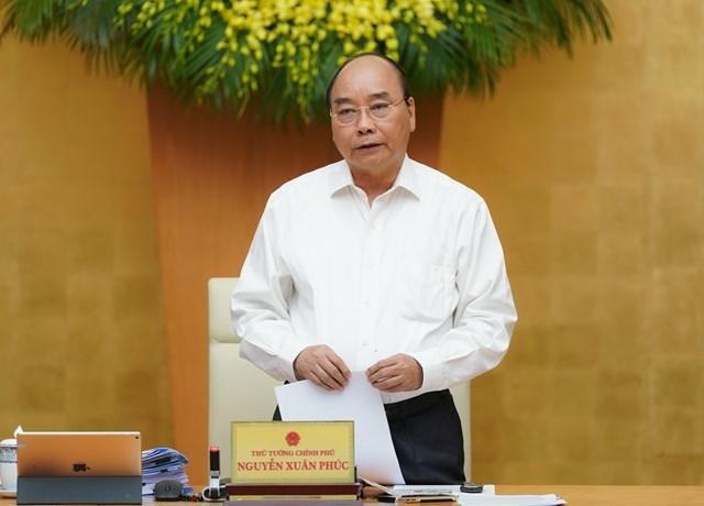 Thủ tướng Nguyễn Xuân Phúc phát biểu tại cuộc họp - Ảnh: VGP/Quang Hiếu.