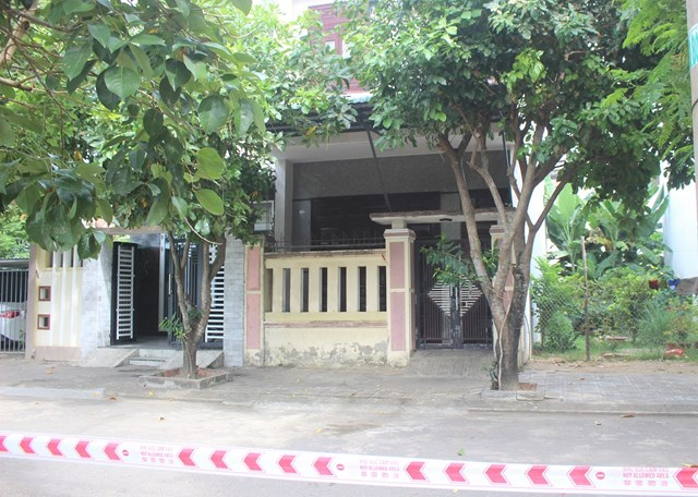 Nhiều ngôi nhà khu dân cư Lưu Minh đóng cửa kín.