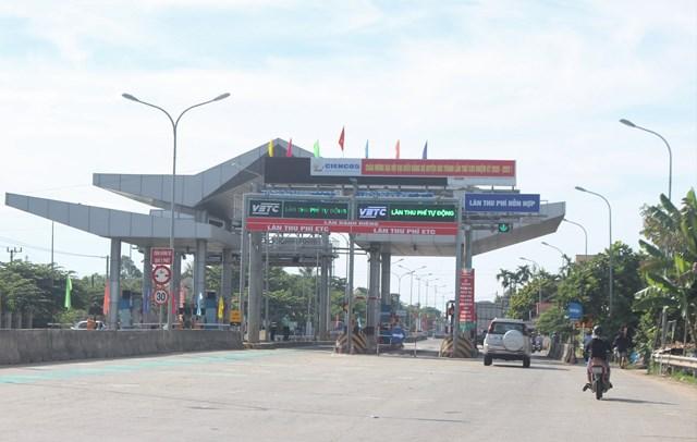 Trạm thu phí Tam Kỳ (đóng ở xã Tam Xuân 1).
