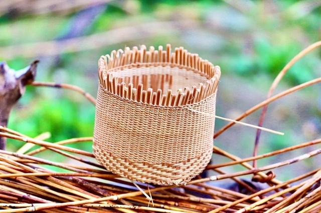 Một số sản phẩm đan lát của người Cơ Tu.
