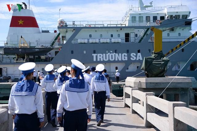 Hải quân Nhân dân Việt Nam ngày càng lớn mạnh.