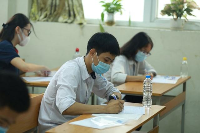 Thí sinh dự thi tốt nghiệp THPT 2020. Ảnh: Quang Vinh.
