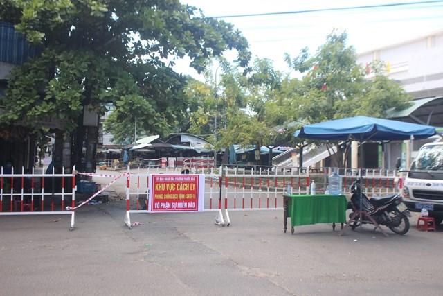 Quảng Nam đang quyết tâm chống dịch Covid-19 (ảnh: Một địa điểm phong tỏa để chống dịch).