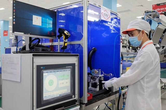 Vingroup xuất khẩu linh kiện máy thở sang Mỹ - Ảnh 1