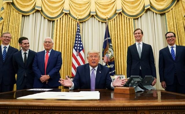 Tổng thống Mỹ Donald Trump thông báo Israel và UAE đạt thỏa thuận đột phá. (Nguồn: Reuters).