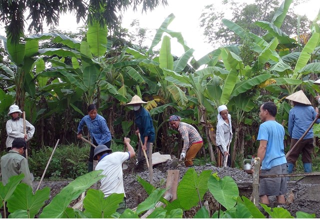 Giám sát của người dân đã hạn chế được các sai phạm trong quá trình triển khai thi công các công trình, dự án. Ảnh: Thu Trang.