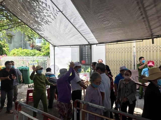 Người dân tổ 9, phường Quảng Phú được dỡ bỏ lệnh phong tỏa.