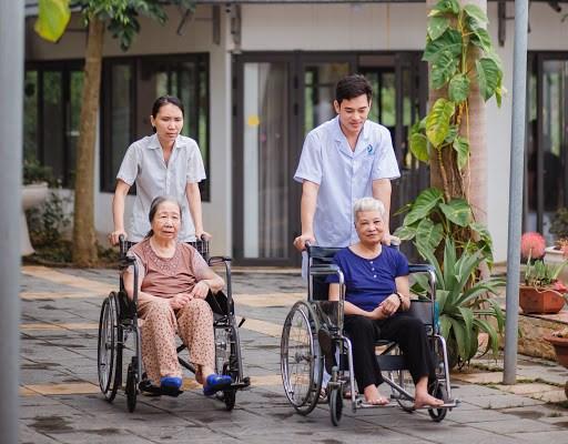 Việc đào tạo nhân viên chăm sóc được xem là bước đột phá.