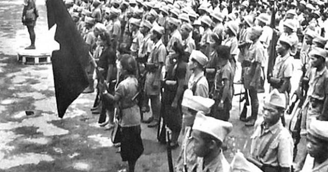 Lực lượng tự vệ Hà Nội trong những ngày Mùa Thu tháng 8/1945. Ảnh tư liệu.