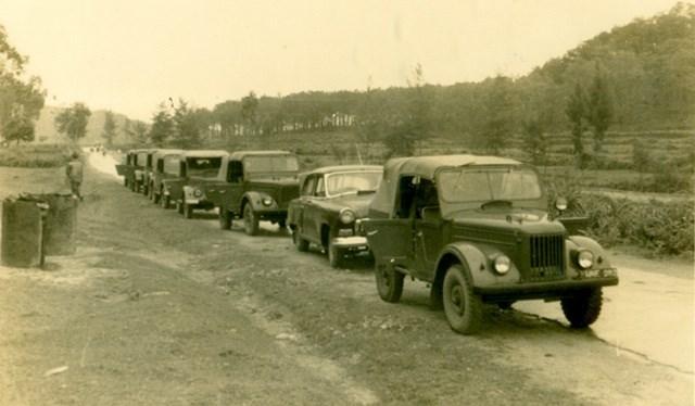 Đoàn xe vào Vĩnh Linh.