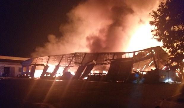 Bình Định: Cháy lớn tại Xí nghiệp Thắng Lợi - Ảnh 1