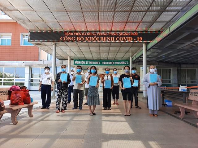 Các BN mắc Covid-19 ở Quảng Nam khỏi bệnh được xuất viện.