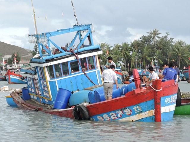 Một tàu Quảng Ngãi gặp nạn trên biển. (Ảnh minh họa).