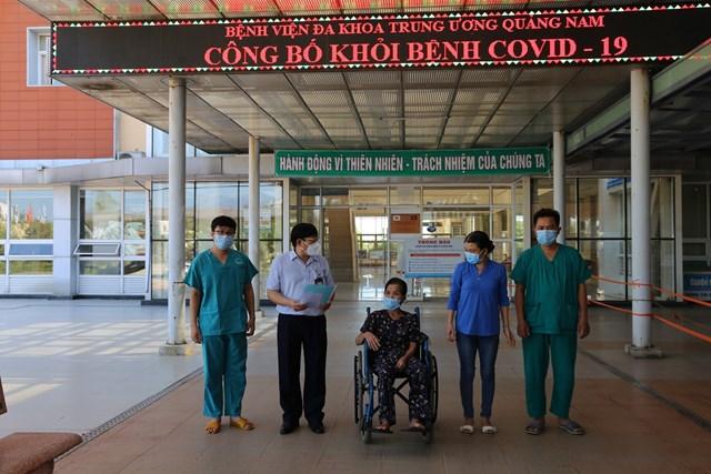 BN 624 mắc Covid-19 khỏi bệnh xuất viện sáng 11/9.