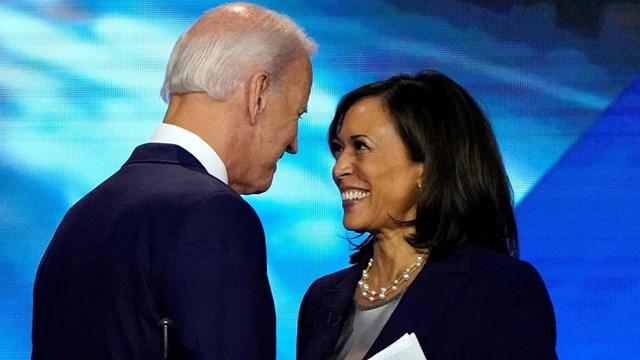 Ông Biden và bà Kamara Harris.