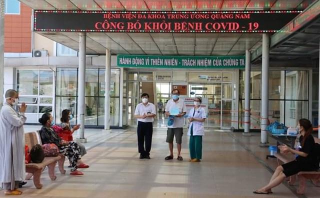 Các BN Covid-19 xuất viện tại BVĐK Trung ương Quảng Nam.