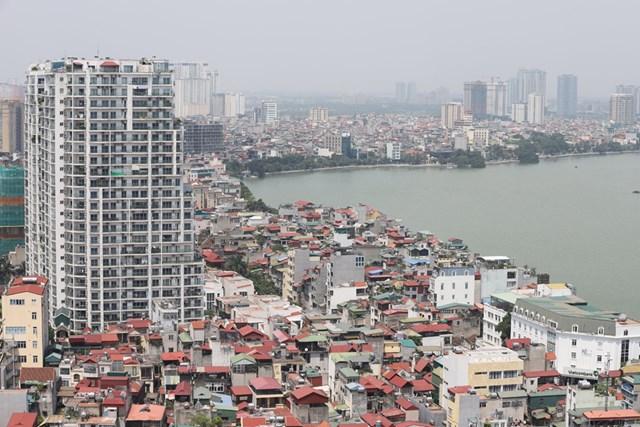 Giá nhà đất thời gian qua vẫn tăng cao. Ảnh: Quang Vinh.
