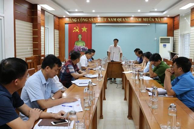 Ủy ban MTTQ Việt Nam tỉnh Lào Cai giám sát thực hiện các chính sách hỗ trợ người dân gặp khó khăn do đại dịch Covid-19 tại huyện Bát Xát.Ảnh: Hoàng Trường.