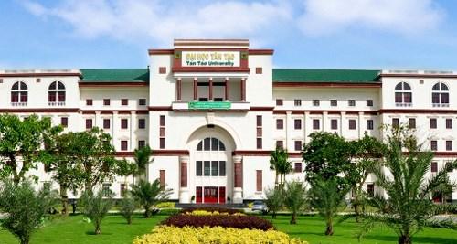 Trường ĐH Tân Tạo.
