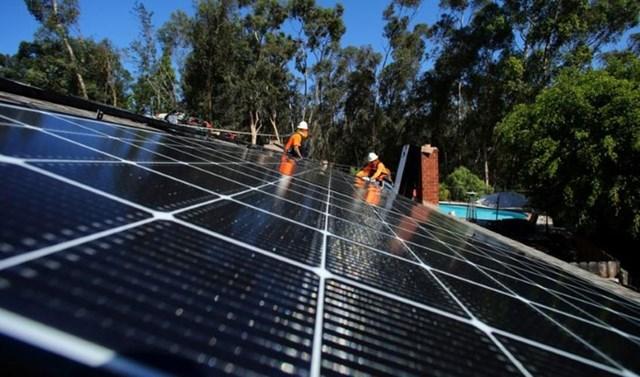 Các tấm pin mặt trời ẩn chứa những rủi ro đối với môi trường khi hết hạn sử dụng.