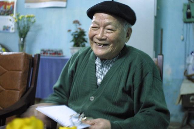 Nhà văn Tô Hoài (Ảnh Nguyễn Đình Toán chụp tháng 9 năm 2005).