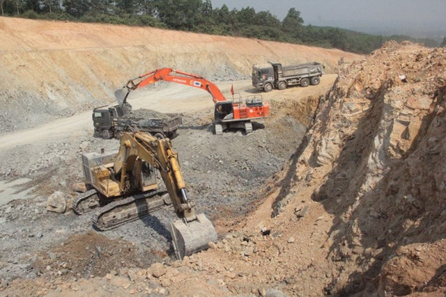 Điều kiện mặt bằng của 3 dự án thành phần cao tốc Bắc – Nam đoạn Mai Sơn - QL45, Vĩnh Hảo - Phan Thiết và Phan Thiết - Dầu Giây đạt trên 90%.