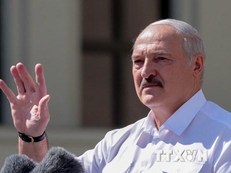 Tổng thống Belarus Alexander Lukashenko phát biểu tại Minsk ngày 16/8/2020. (Ảnh: AFP/TTXVN).