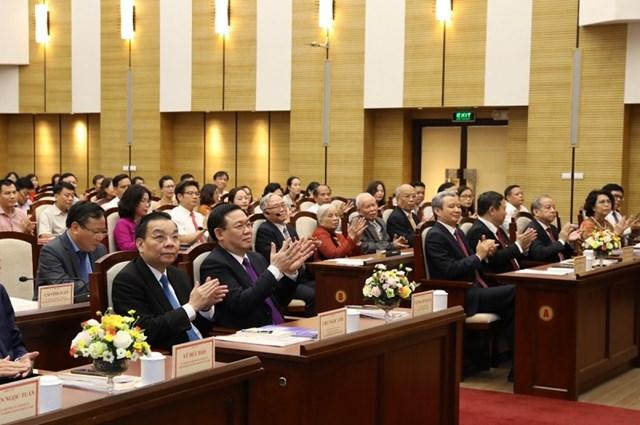 Các đại biểu tham dự tọa đàm.