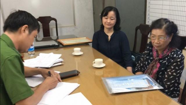 Cơ quan điều tra tiếp nhận nội dung tố cáo và ghi lời khai của gia đình bác sĩ Trần Tố Dung.