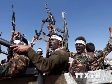 Phiến quân Houthi trong chiến dịch tuyển quân ở thủ đô Sanaa, Yemen. (Ảnh: AFP/TTXVN).