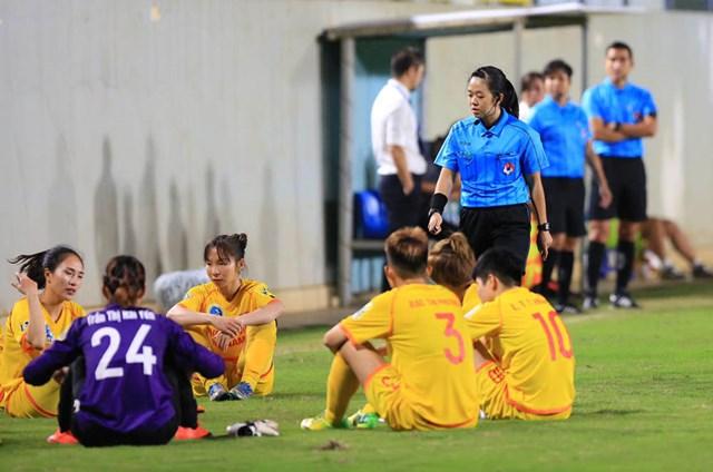Cầu thủ Phong Phú Hà Nam không tiếp tục thi đấu trong trận tối 6/10.