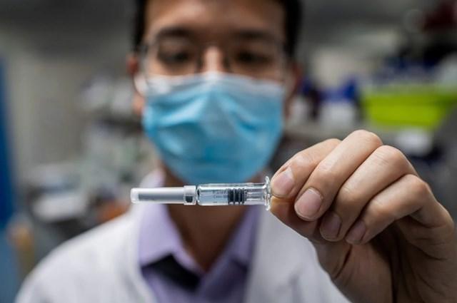 Cuộc đua tìm kiếm vaccine chống Covid-19 vẫn chưa thấy hồi kết.