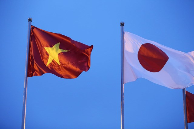 [ẢNH] Đón Thủ tướng Nhật Bản và Phu nhân tại sân bay quốc tế Nội Bài - Ảnh 5