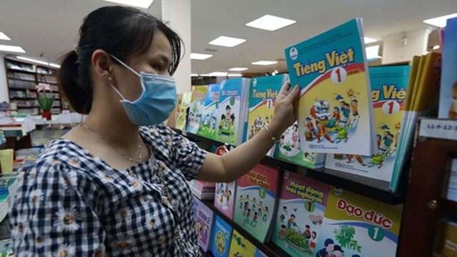 Bộ GDĐT đã quyết định điều chỉnh nhiều nội dung trong sách giáo khoa Tiếng Việt lớp 1 của bộ sách Cánh Diều. Ảnh: Ngọc Dương.