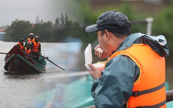 Bữa ăn của người đi cứu hộ vùng tâm lũ Lệ Thủy (Quảng Bình).