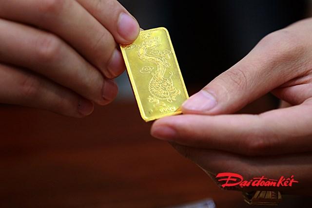 Vàng miếng SJC được khách hàng lựa chọn mua nhiều nên cháy hàng.