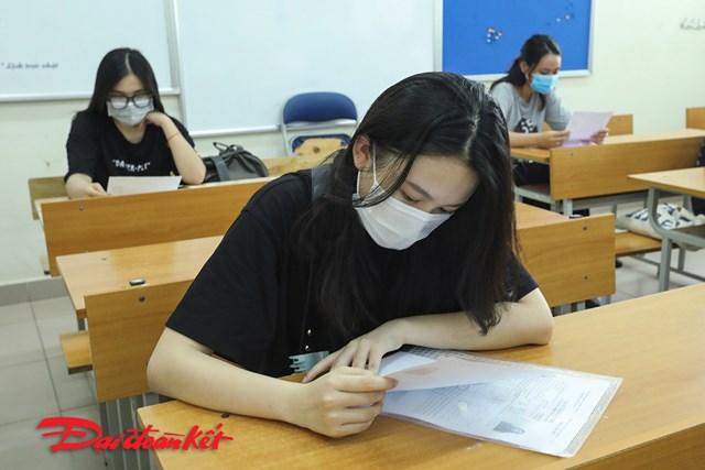 Thí sinh dự thi kê khai phần bắt buộc để dự thi.