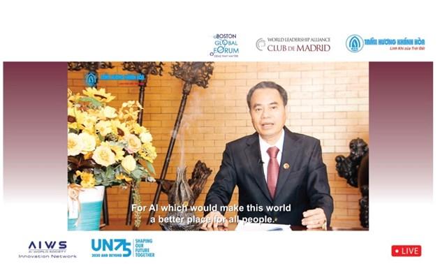 Ông Nguyễn Văn Tưởng phát biểu tại Hội nghị trực tuyến Diễn đàn Liên minh Lãnh đạo Thế giới tại Madrid năm 2020.